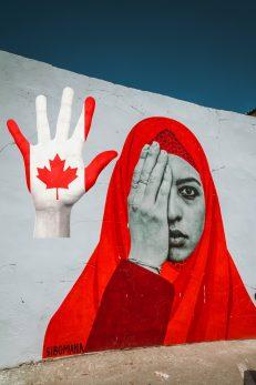 Quebec distanziert sich vom englischsprachigen Kanada, das religiöse Symbole in allen öffentlichen und privaten Bereichen für alle Minderheiten akzeptiert und verteidigt, Fotos: Pixabay, Collage: Daniela Wakonigg